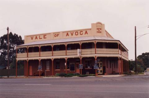 Vale of Avoca, B&B, Charlton, 2001