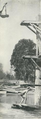 Central swimming area, Echuca, 1950