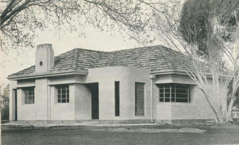 Modern Building, Alton Gardens, Echuca, 1950