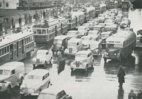 Peak hour traffic on Princes Bridge, Melbourne, 1957