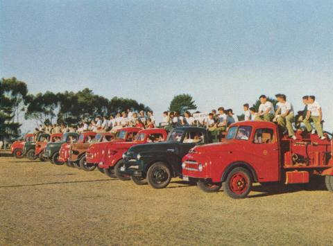 Fire-fighting demonstration, Willaura, 1958