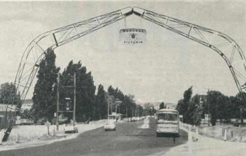 The Lincoln Causeway Leads into Wodonga from the north, 1965