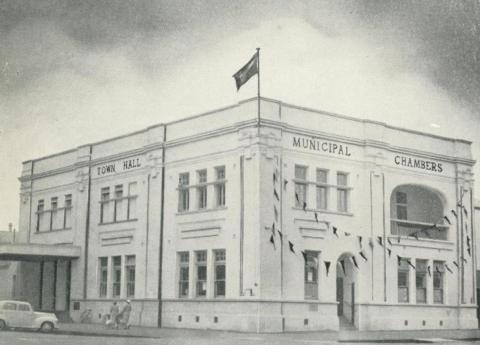 Town Hall and Municipal Chambers, Warrnambool, c1960