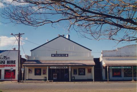 Mansfield shops and cinema, 1997