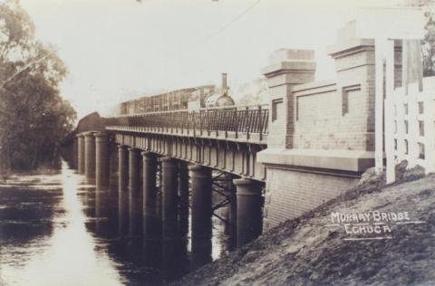Murray Railway Bridge, Echuca