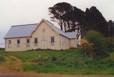 Dean Hall, 2000