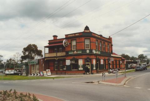 Bridge Inn, Mernda, 2000