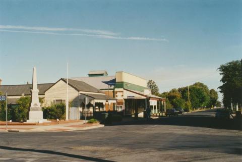 Tungamah, 2002