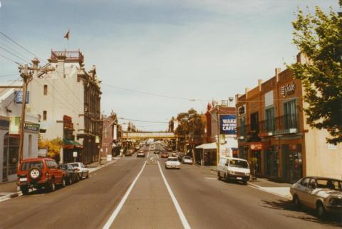 Auburn Road, Southwards, Hawthorn, 2002