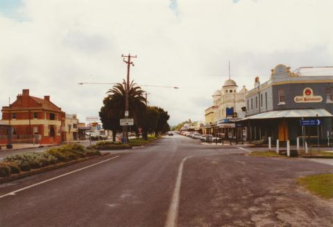 Commercial Road, Yarram, 2003