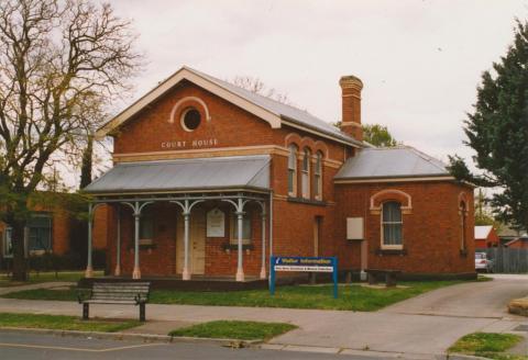 Maffra court house, 2003