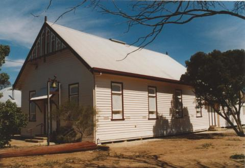 Pimpinio Uniting Church (site of first Wesleyan service 1872), 2007