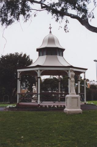 Park, Geelong West, 2011