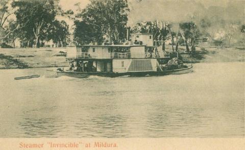 Steamer Invincible at Mildura, c1910