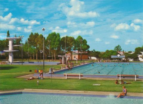 Swimming Pool, Mildura