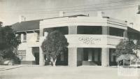 Caledonian Hotel, Hare Street, Echuca, 1950