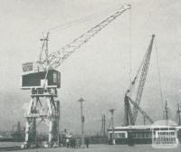 Electric crane, Port of Melbourne, 1947