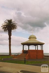 Rotunda, Beach Street, Port Melbourne, 2004