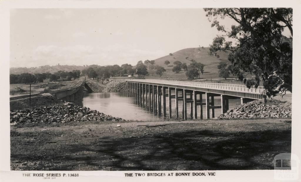 The two bridges at Bonny (Bonnie) Doon