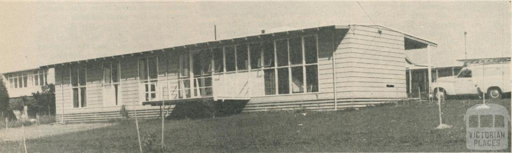 Modernistic house at Doncaster, 1958
