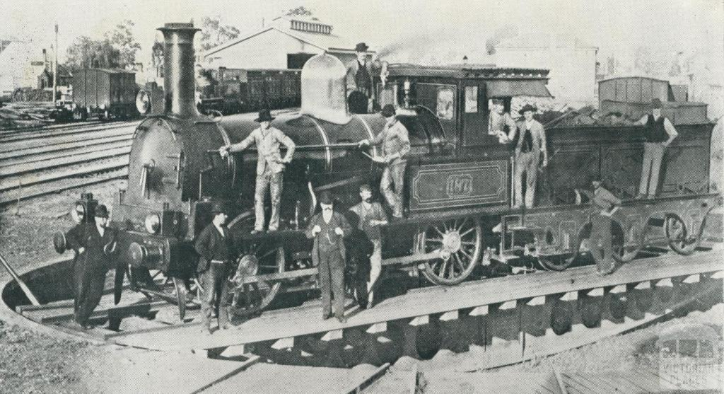 R 187 on the turntable at Sale in 1885