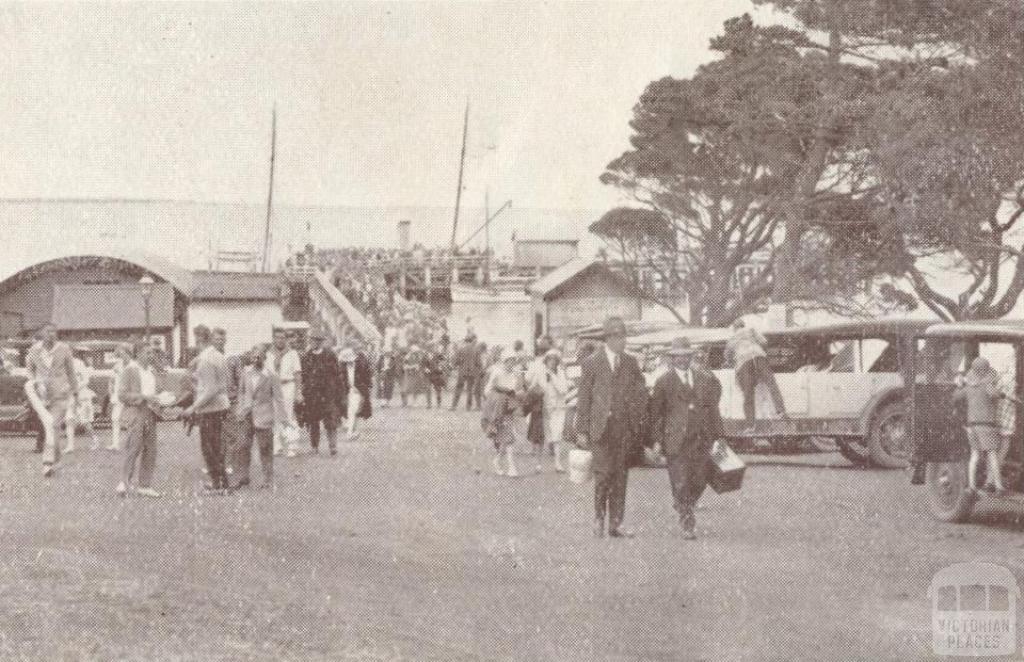 Cowes Pier, 1929