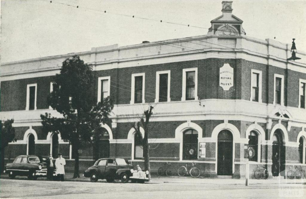 The Royal Hotel, Hare Street, Echuca, 1950