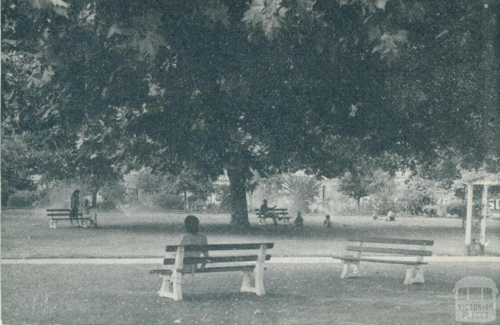 Wangaratta Gardens, 1951