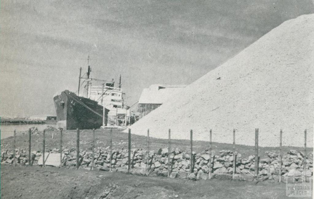 Phosphate Rock at Spotswood, c1952