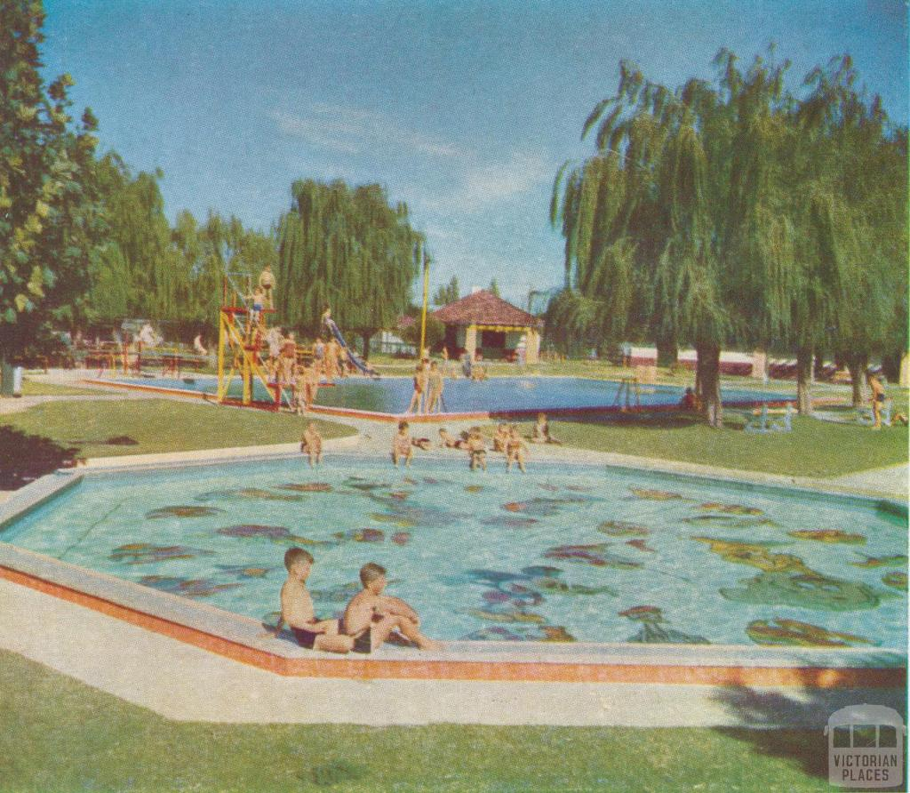 Public swimming pool red cliffs 1958 victorian places for Pool designs victoria