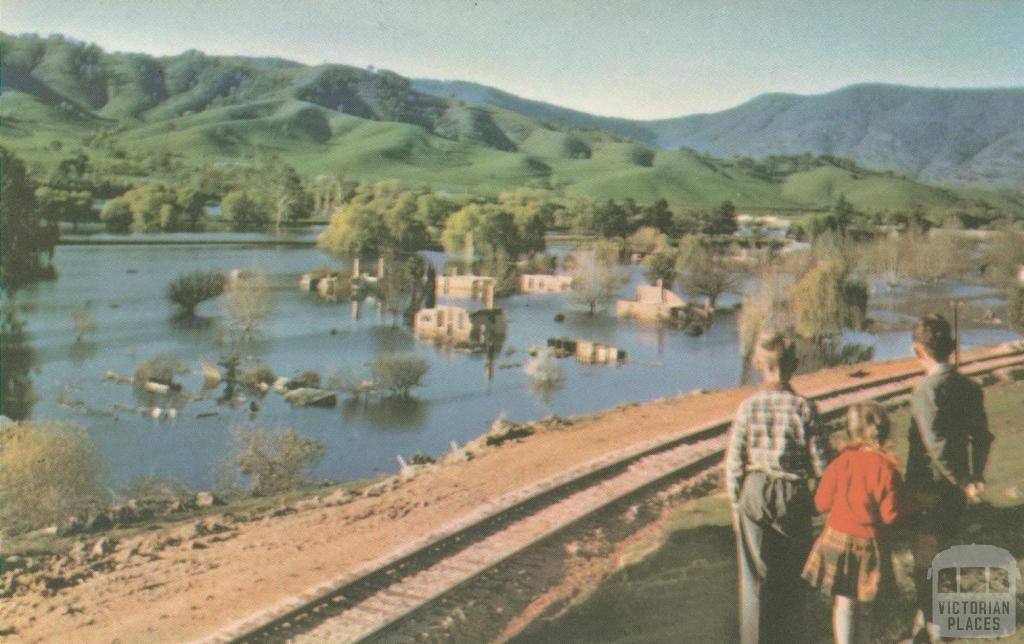 The flooded township of old Tallangatta, 1960