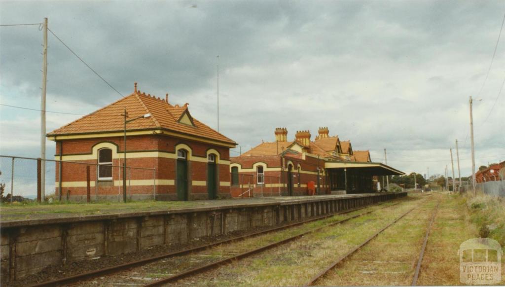 Korumburra Railway Station, 2002