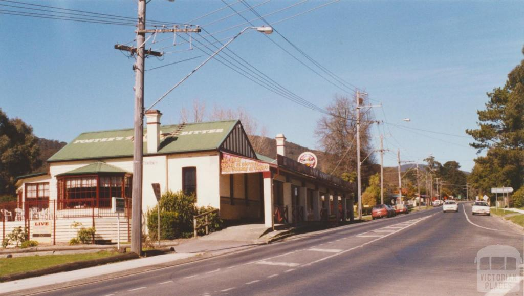 Sam Knotts formerly Warburton Hotel, Wesburn, 2002