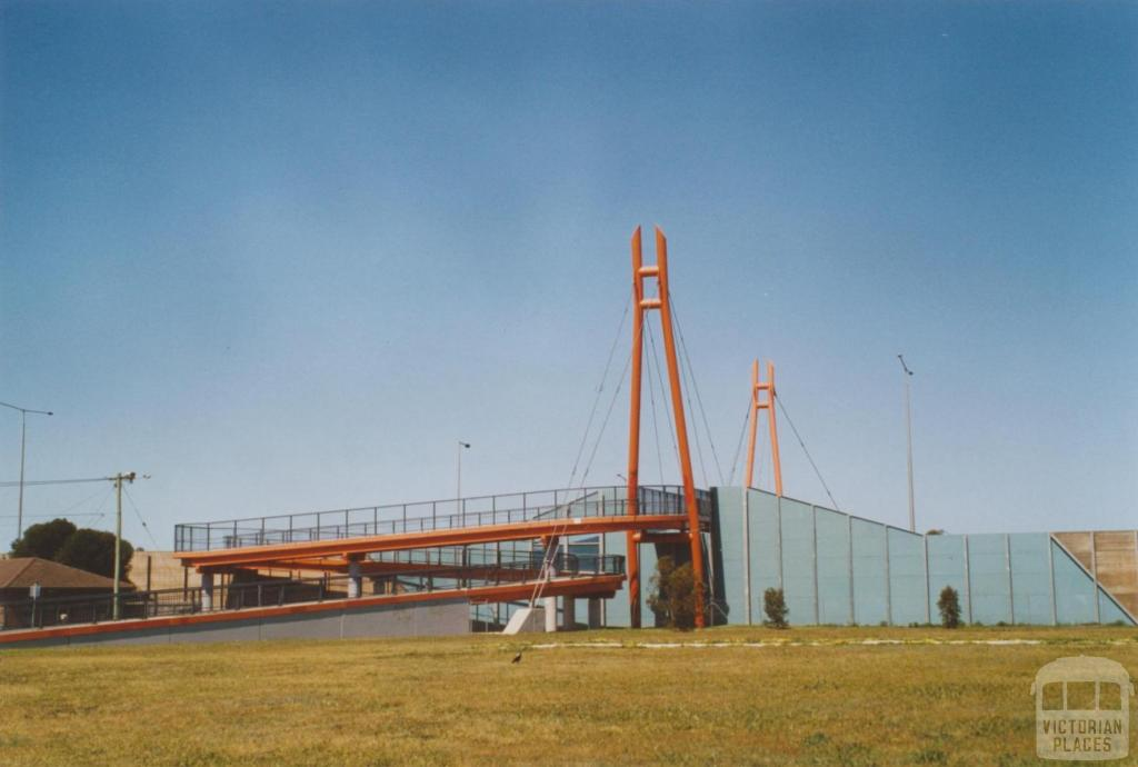 Cameron Avenue bridge, Laverton, 2006
