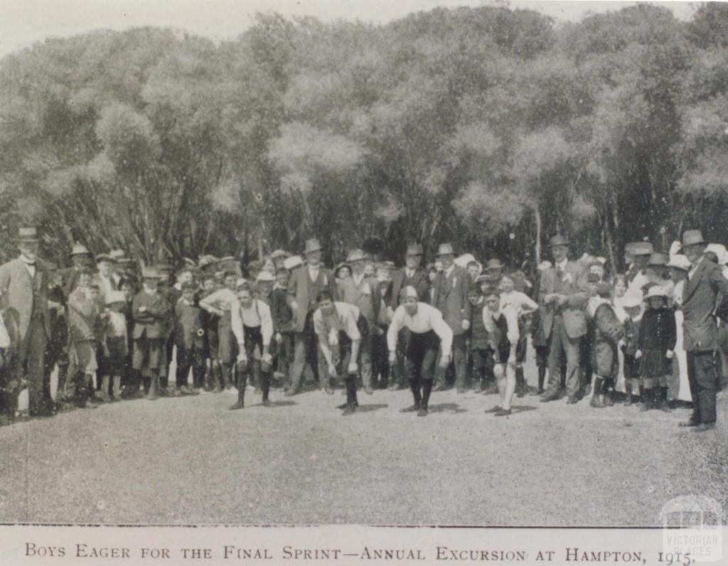 Roman Catholic Church picnic, Hampton, 1914