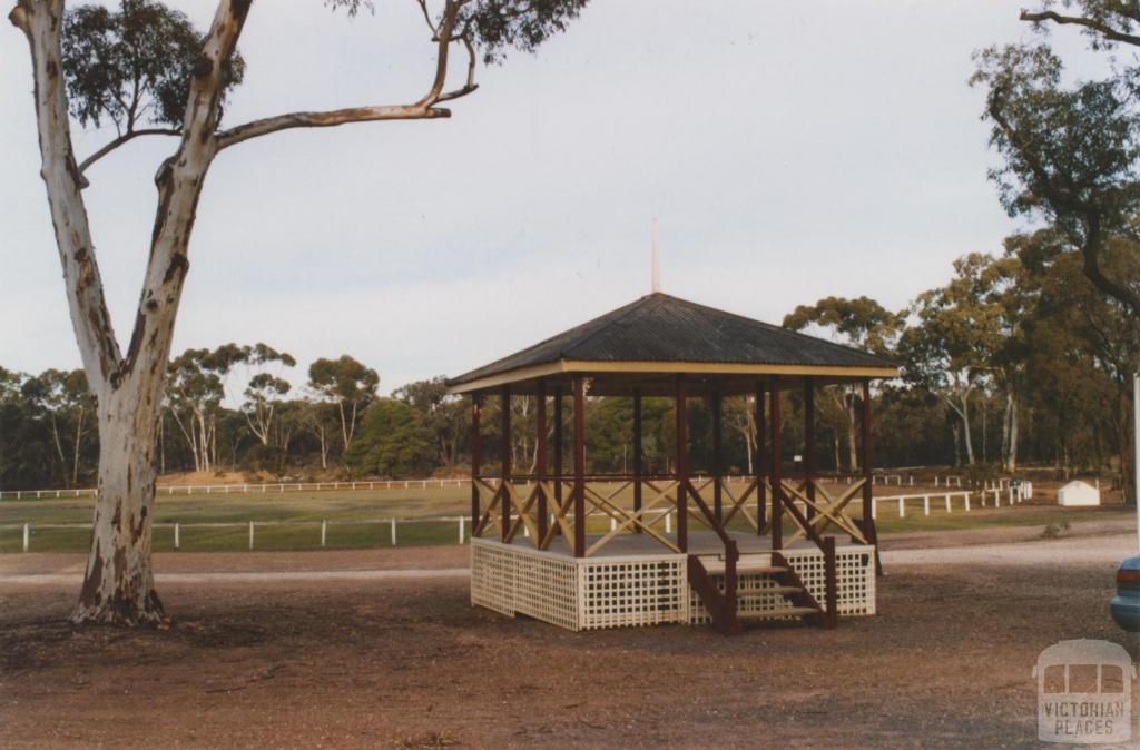 Bandstand (1886) and oval, Tarnagulla, 2010