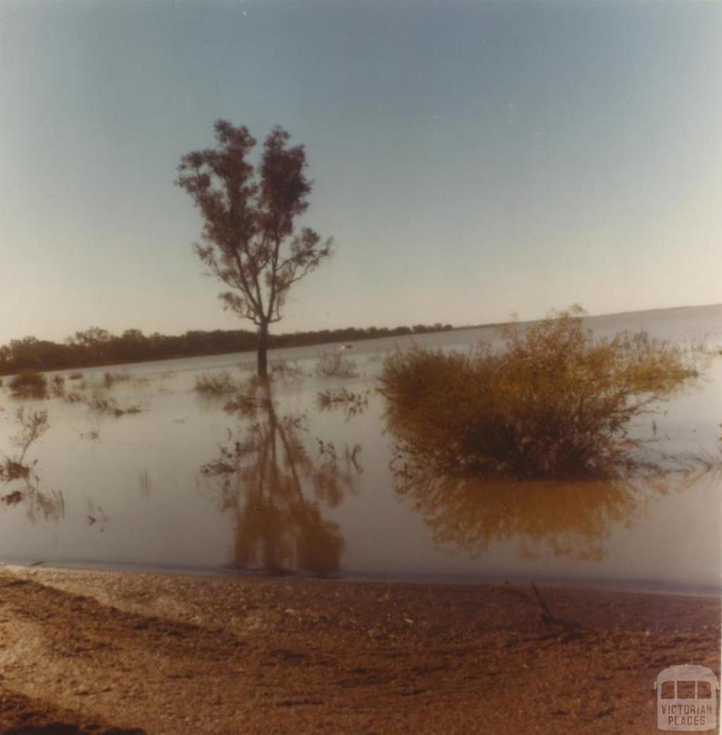 Lake Hindmarsh, Jeparit, 1980