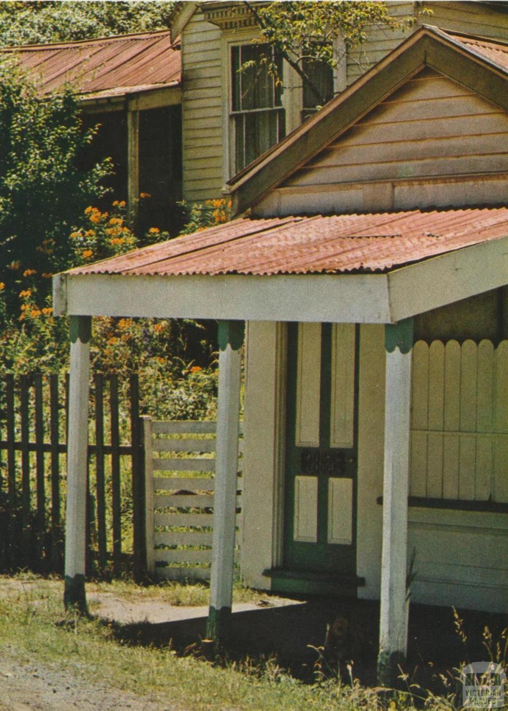 Cottage, Walhalla